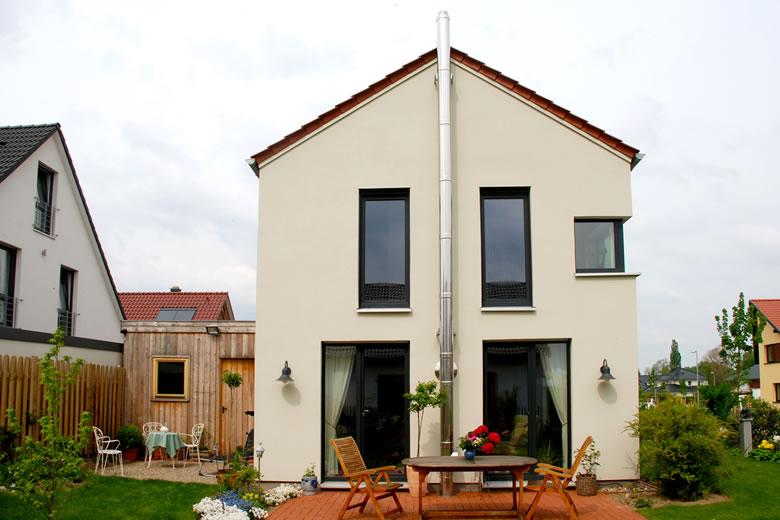 Modernes cottage wohnscheune architekturb ro a meyer for Cottage haus bauen